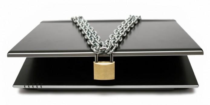 lock-on-laptop-63f7ecc37f36179e9740edd0d6ae041d