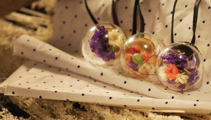 乾花玻璃球