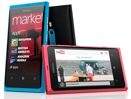 1322066290_20-Nokia-Lumia-800-b