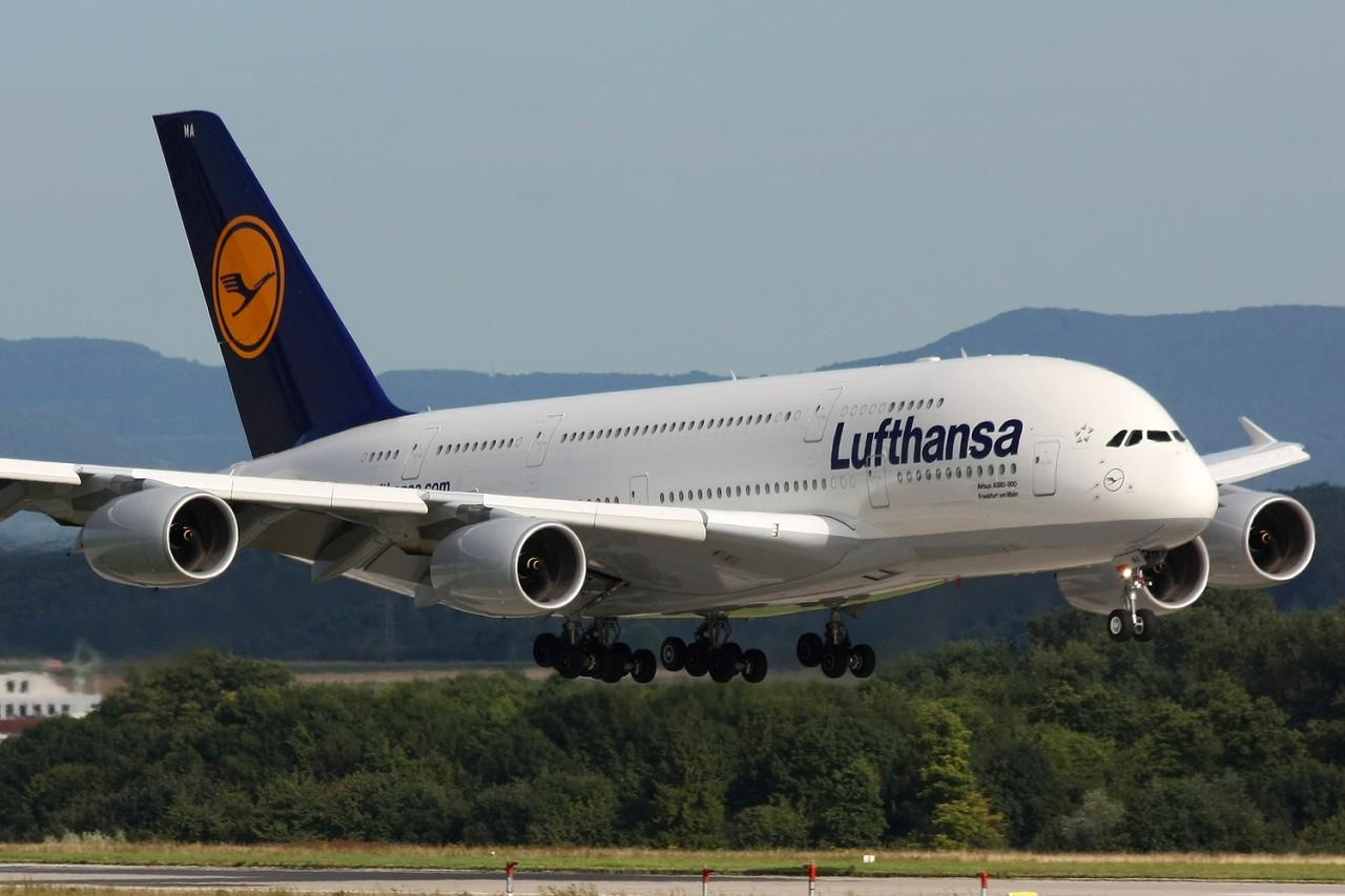 Lufthansa_A380_D-AIMA_Photo_by_Lasse_Fuss