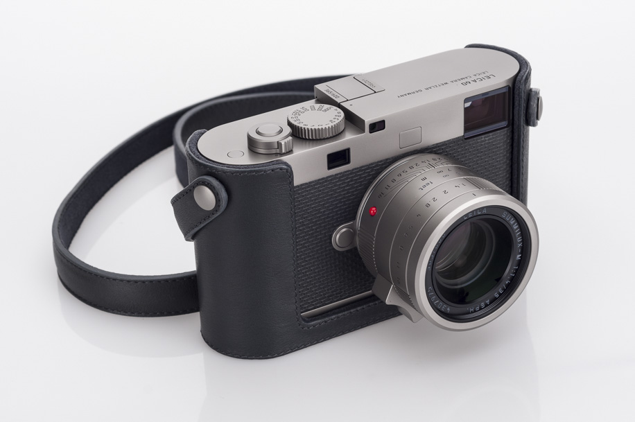 Leica-M-Edition-60-camera-unboxing-6