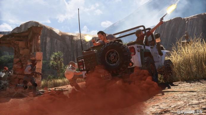 U4-MAD-jeep-fire_wm
