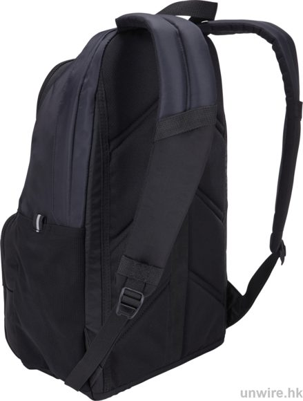 """This classic 21 Liter daypack protects all daily essentials including a 15"""" laptop and 10.1"""" tablet."""