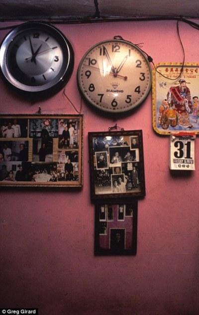 珍貴照片曝光!外國攝影師拍盡九龍城寨的「罪惡城」神秘國度