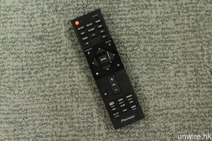 遙控器亦經過重新設計,但外觀上就不及前作討好。