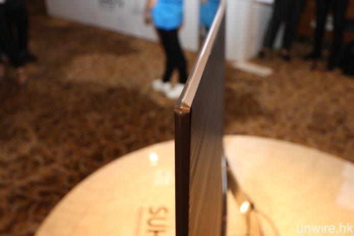 超薄機身、超幼邊框自然是理所當然的設計。