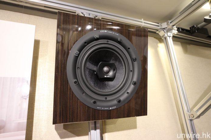 喇叭的 1 吋高音更可作角度微調。