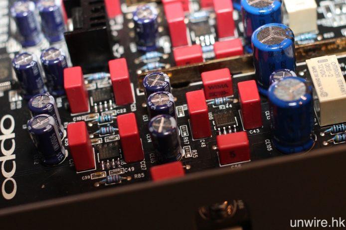 經過反覆測試的 Op-Amp,最終選擇 JRC MUSES 8920 及 Burr-Brown OPA2132 這個配搭,而平衡輸出 Buffer Op-Amp 亦更換為 Burr-Brown OPA1632。
