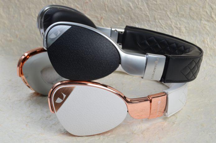 黑色版 Elite 配襯銀色金屬的耳架,白色版則配襯銅色金屬耳架,分別增添金屬感及古典味。