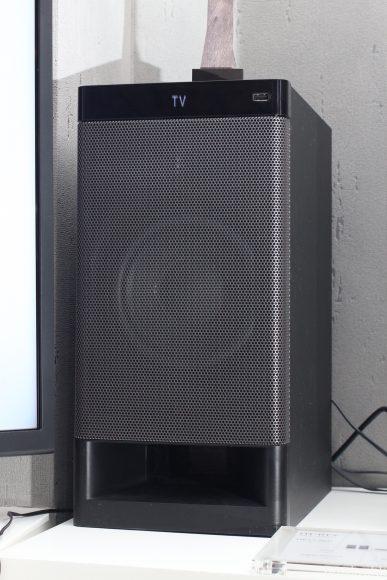 超低音喇叭則用上 160mm 驅動單元。