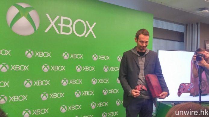 Xbox One S《Gears of War 4》同捆特別版將於 10 月 7 號接受預訂,定價 $3,580,並在 11 月 25 日正式發售。