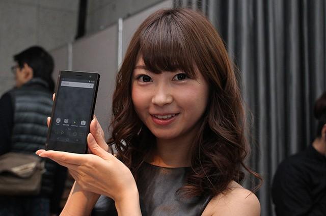 配備兩粒 ES9018C2M!Onkyo 發表全球首部平衡驅動 Hi-Res 智能手機 DP-CMX1
