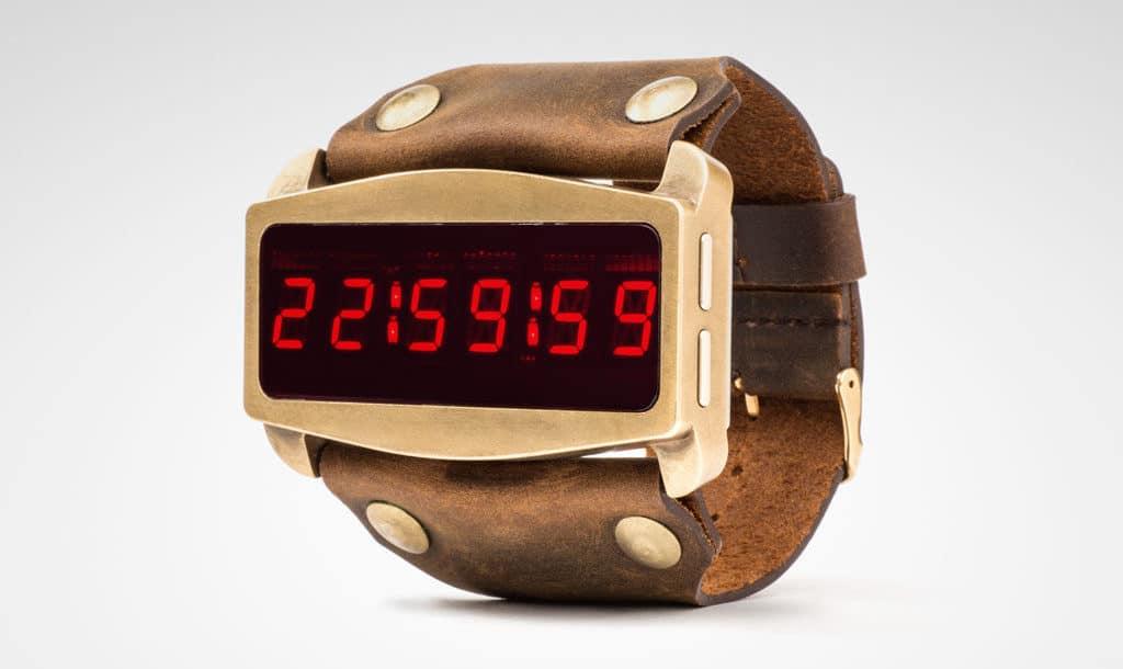 倒數到零會自爆?《紐約大逃亡》LED 跳字式智能手錶 Lifeclock One