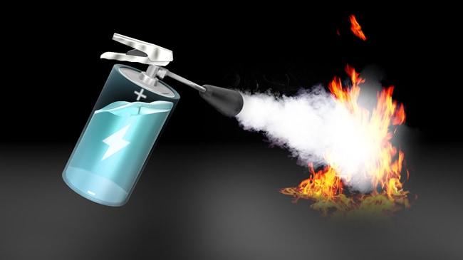 日本新發明鋰電不會著火爆炸 電解液變成滅火劑