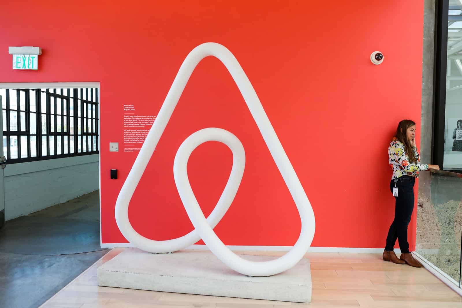 Airbnb unwire hk for Finding a builder