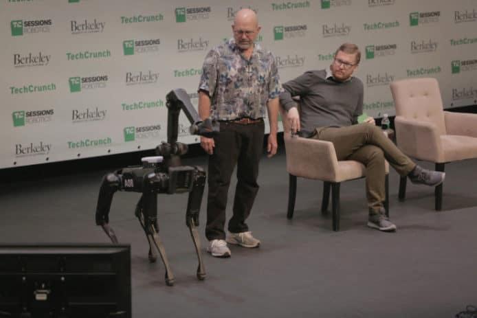 波士顿AI机器狗