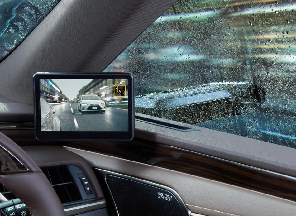 凌志新车推电子侧镜 首次应用于量产车