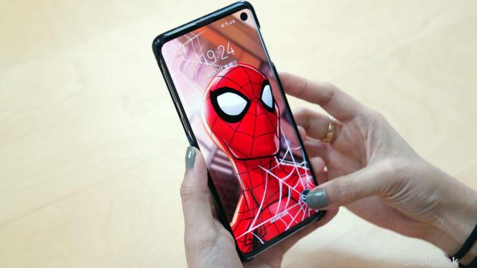 評測】Marvel S10手機智能殼一裝即變超型Avengers 介面| 香港UNWIRE HK